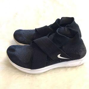 NIKE | Free RN Motion Flyknit Sneakers